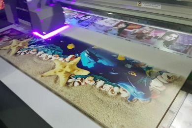 Tại sao khách hàng thích phương pháp in phẳng dùng mực UV?